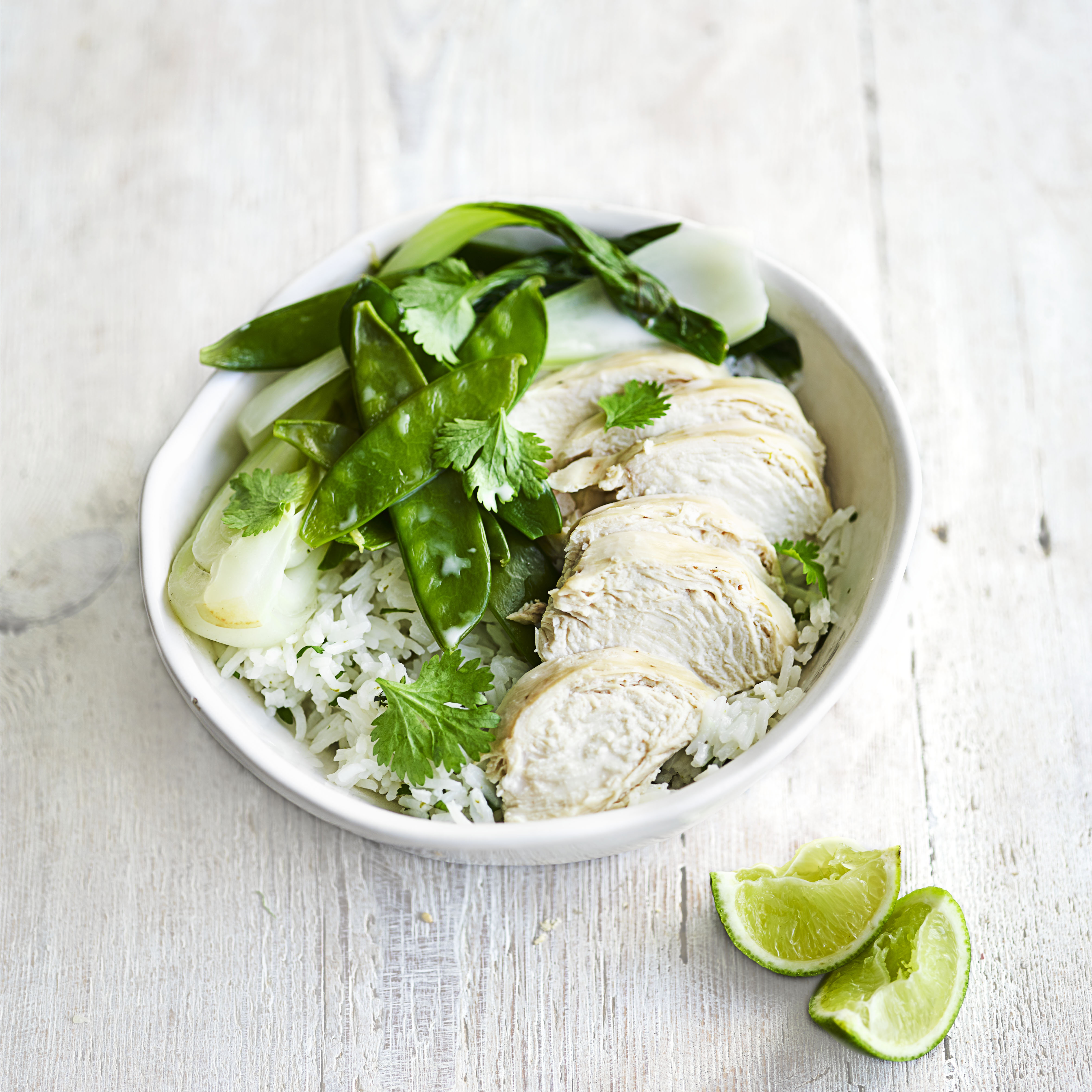 poached chicken calories 100g