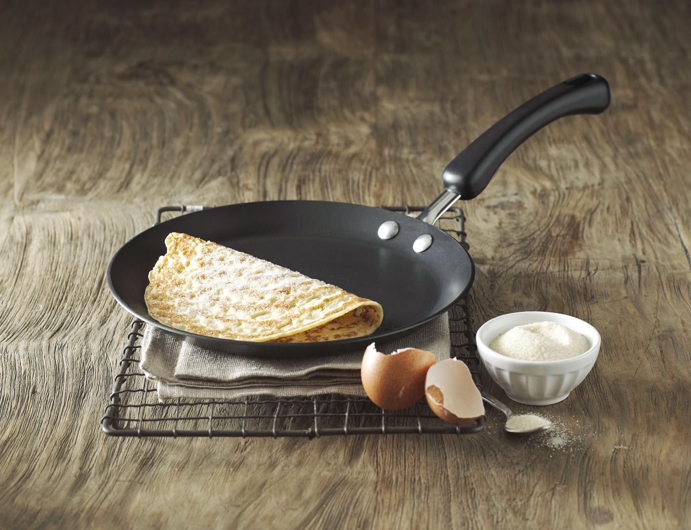 Lakeland crepe pan