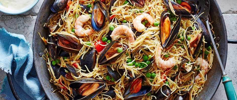 Seafood fideua recipe