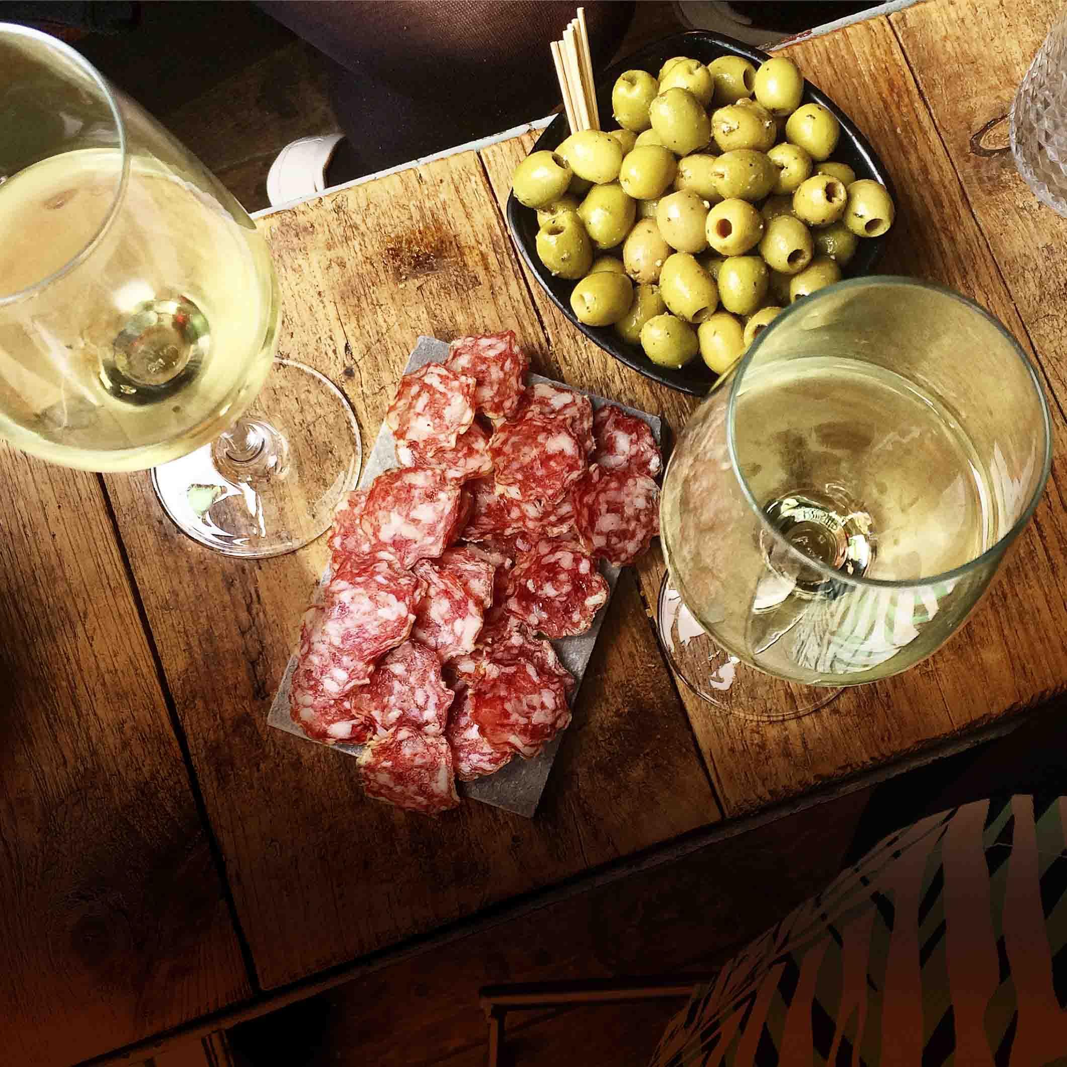 Utrecht Talud9 Wine Bar and Cafe