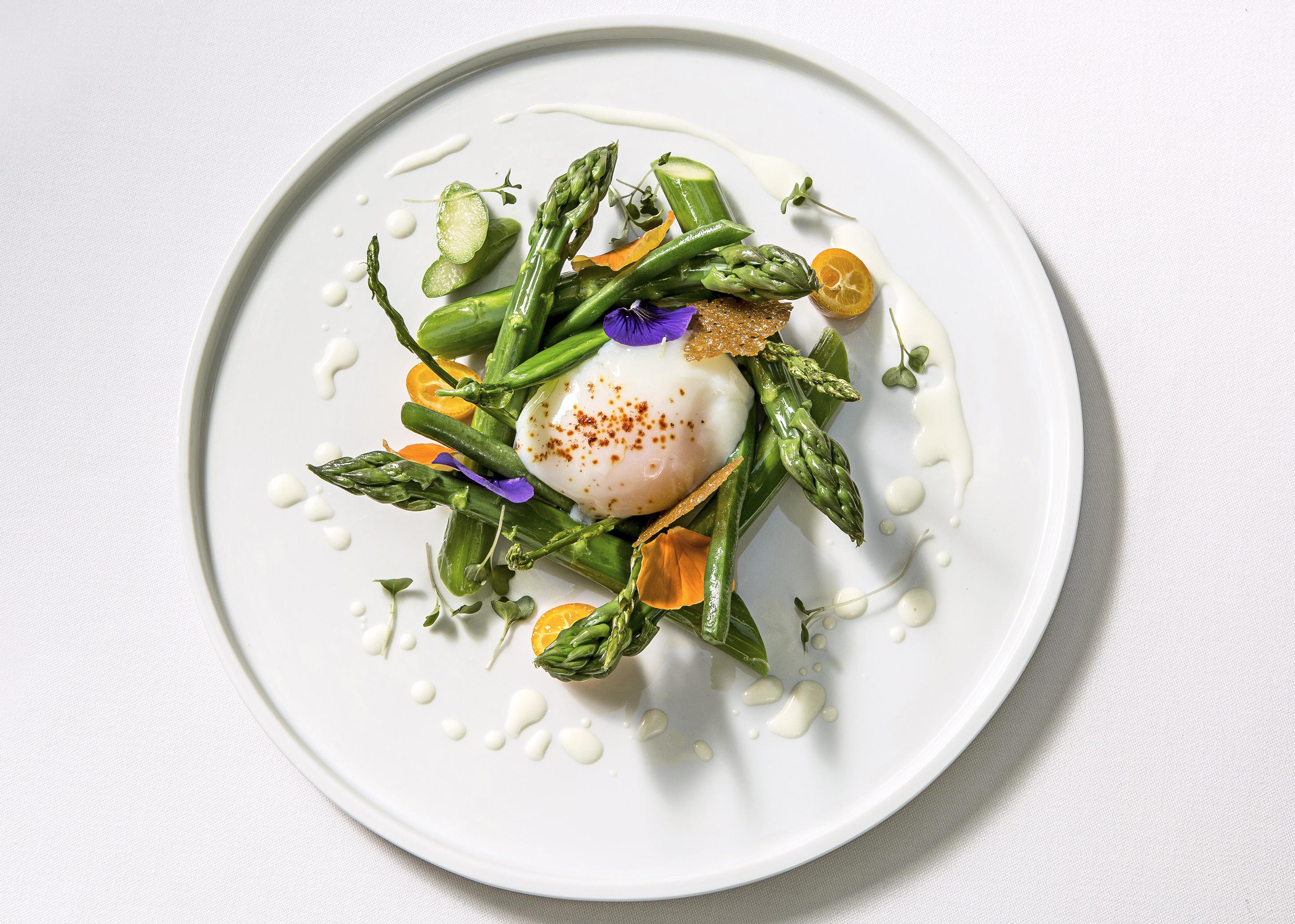 Asparagus de pays at La table D'uzes