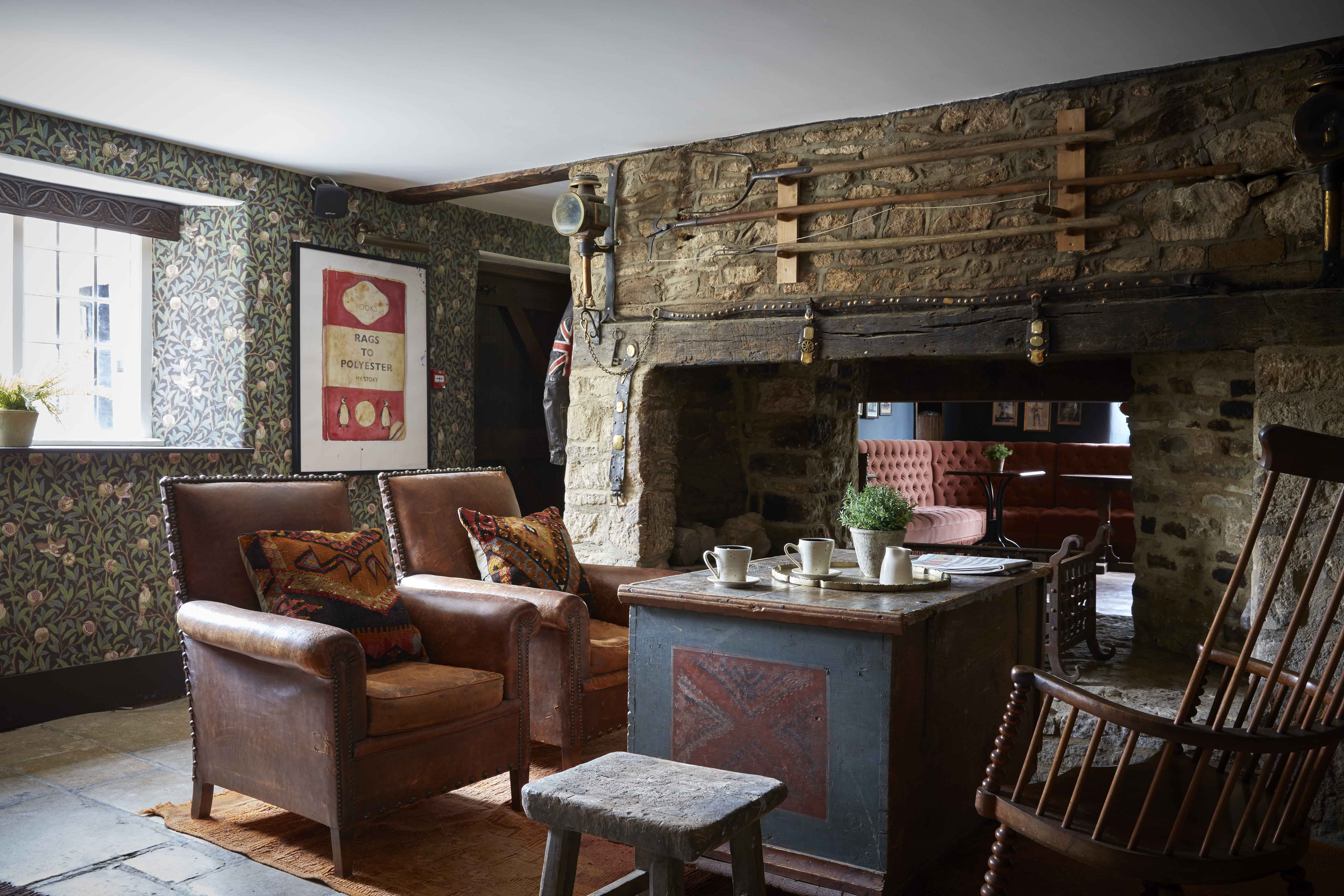 Farmhouse Suite at Artist Residence Oxfordshire