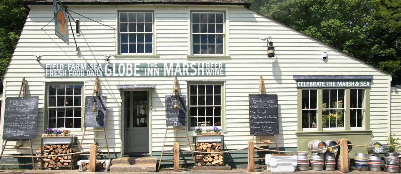 The Globe Inn - outside the front