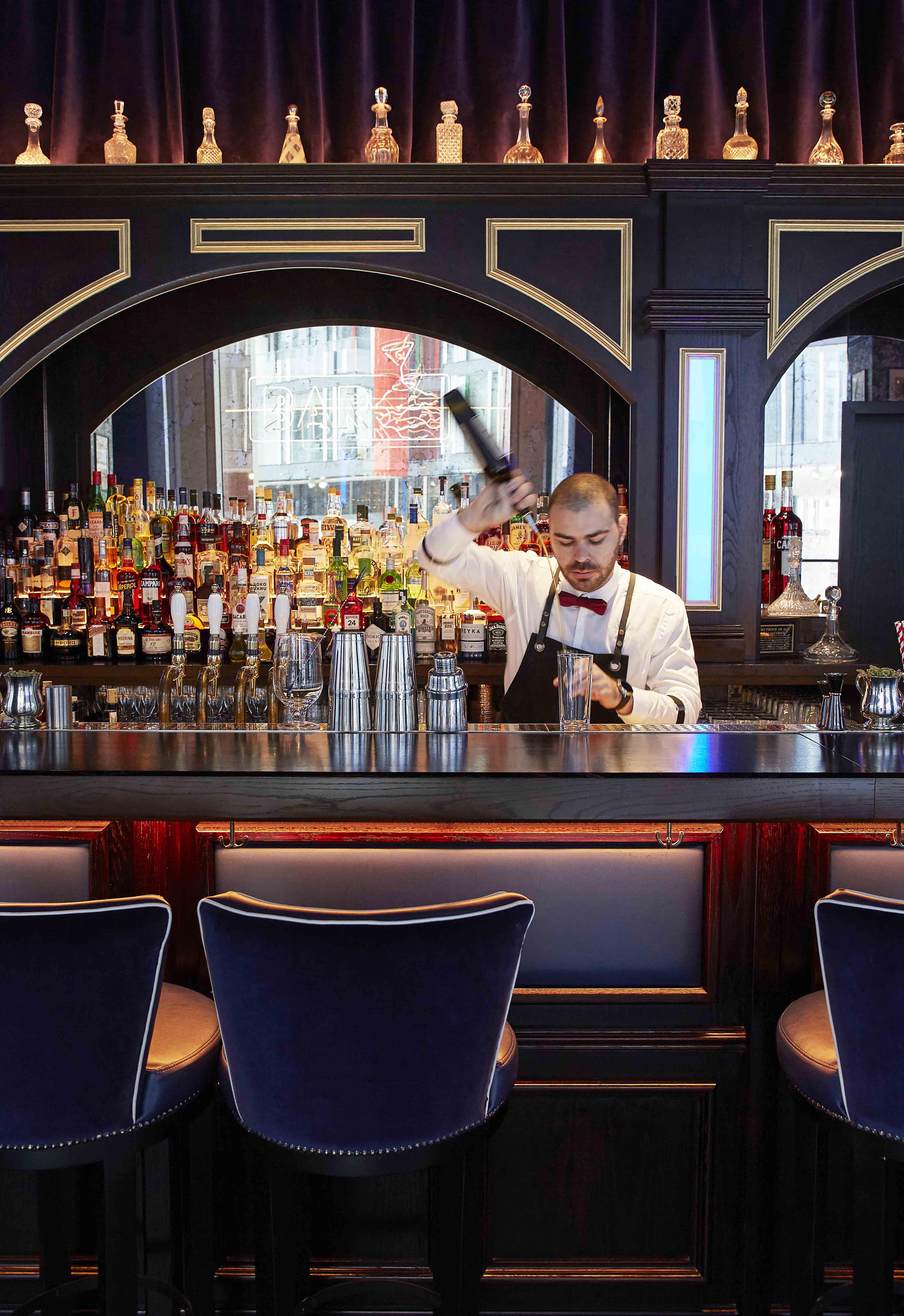 Hai Cenato Restaurant Bar Drunk Oyster