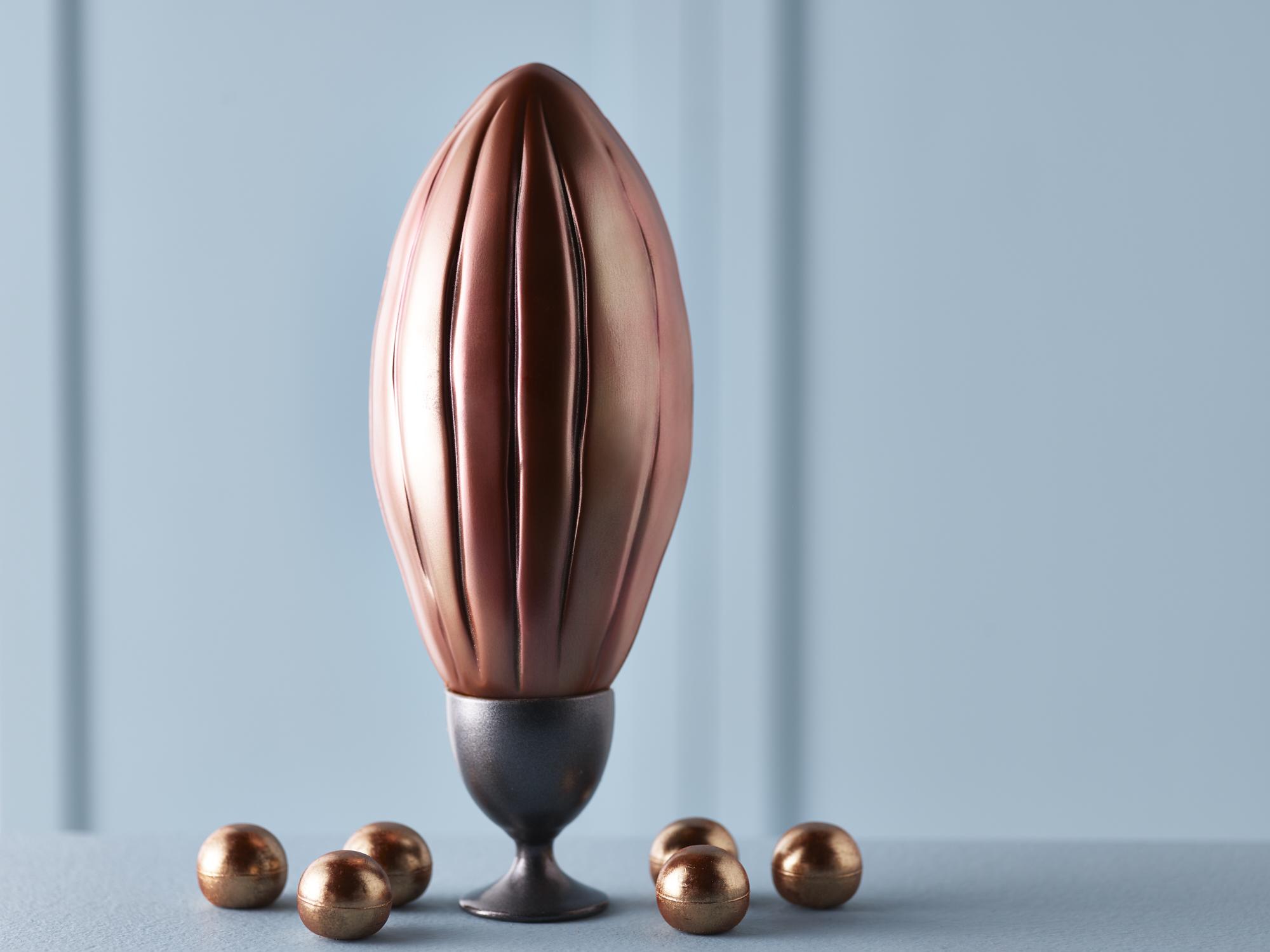 Co-op Irresistible Single Origin Ecuadorian Milk Chocolate Cocoa Pod, with silky smooth milk chocolate truffles 300g — £7.00