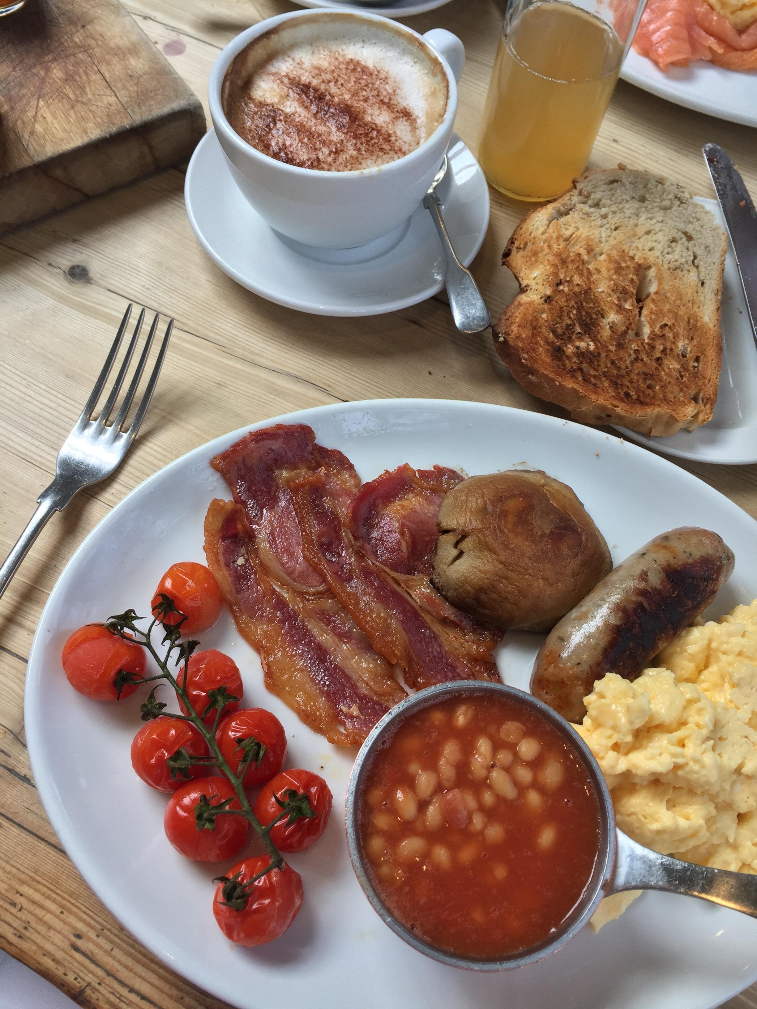 Full English Breakfast at the Three Daggers, Wiltshire