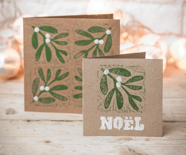 christmas crafts make your own mistletoe and holly block print cards countryfilecom