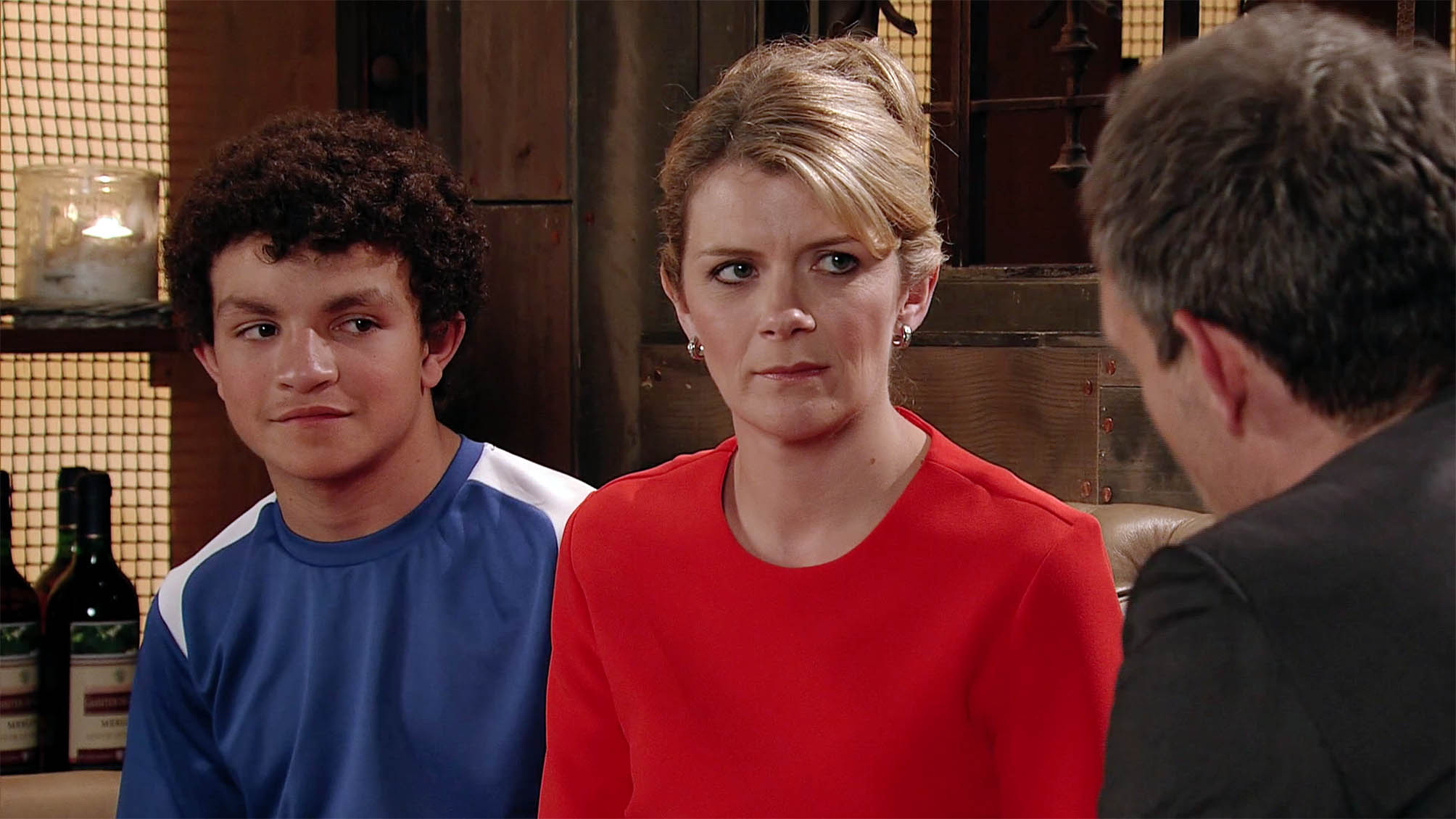 Coronation Street: Leanne is moving to Liverpool – to be with Toyah!