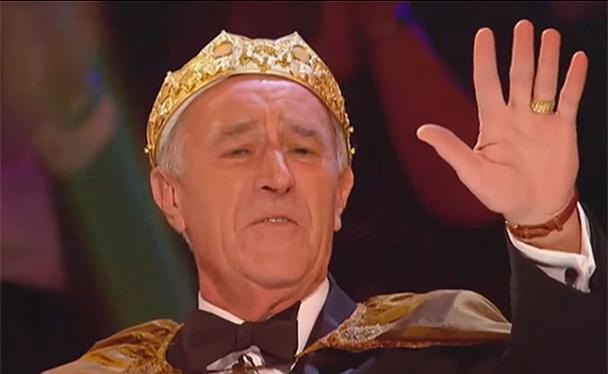 Strictly Christmas special trailer: Len Goodman wears a crown and ...