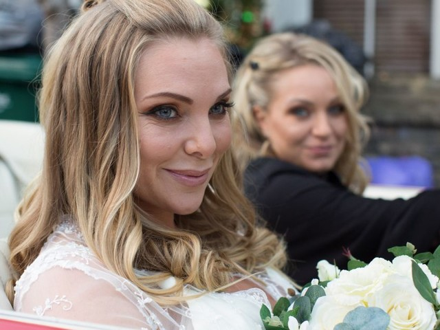 Eastenders star samantha womack speaks out following - Tring swimming pool opening times ...