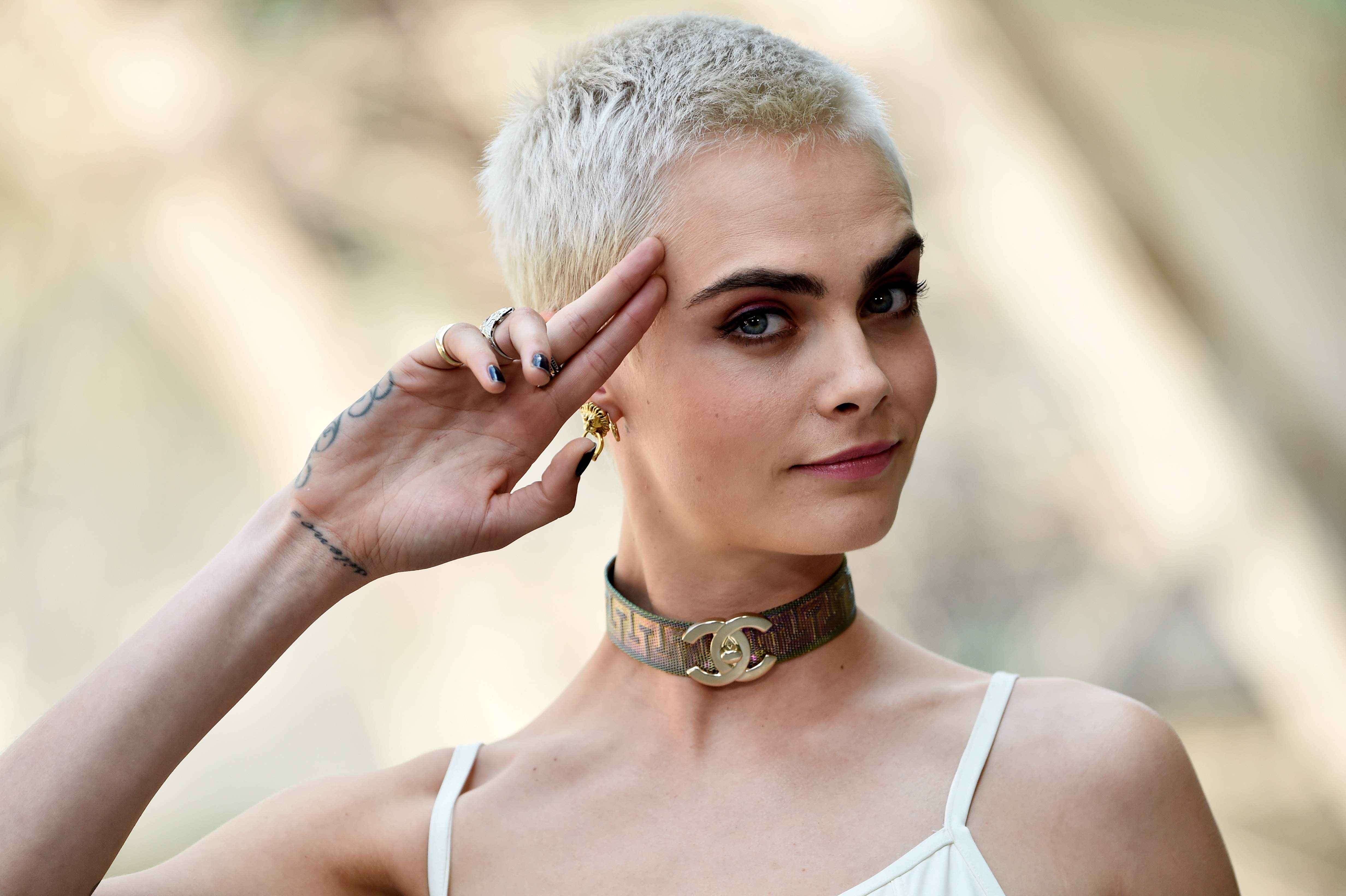 """19 Haircuts For Older Women Winter 2018 2019 Edition: Valerian Star Cara Delevingne: """"I Didn't Like Myself As A"""