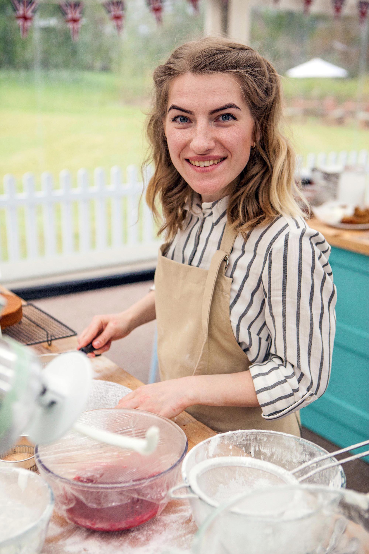 Baking Cake By Julia