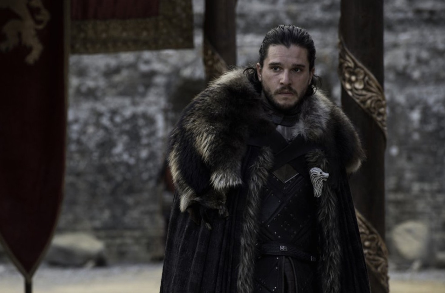 Emilia Clarke distastes 'Jon Snow' revelation in final ep, remarks 'ewwwww'