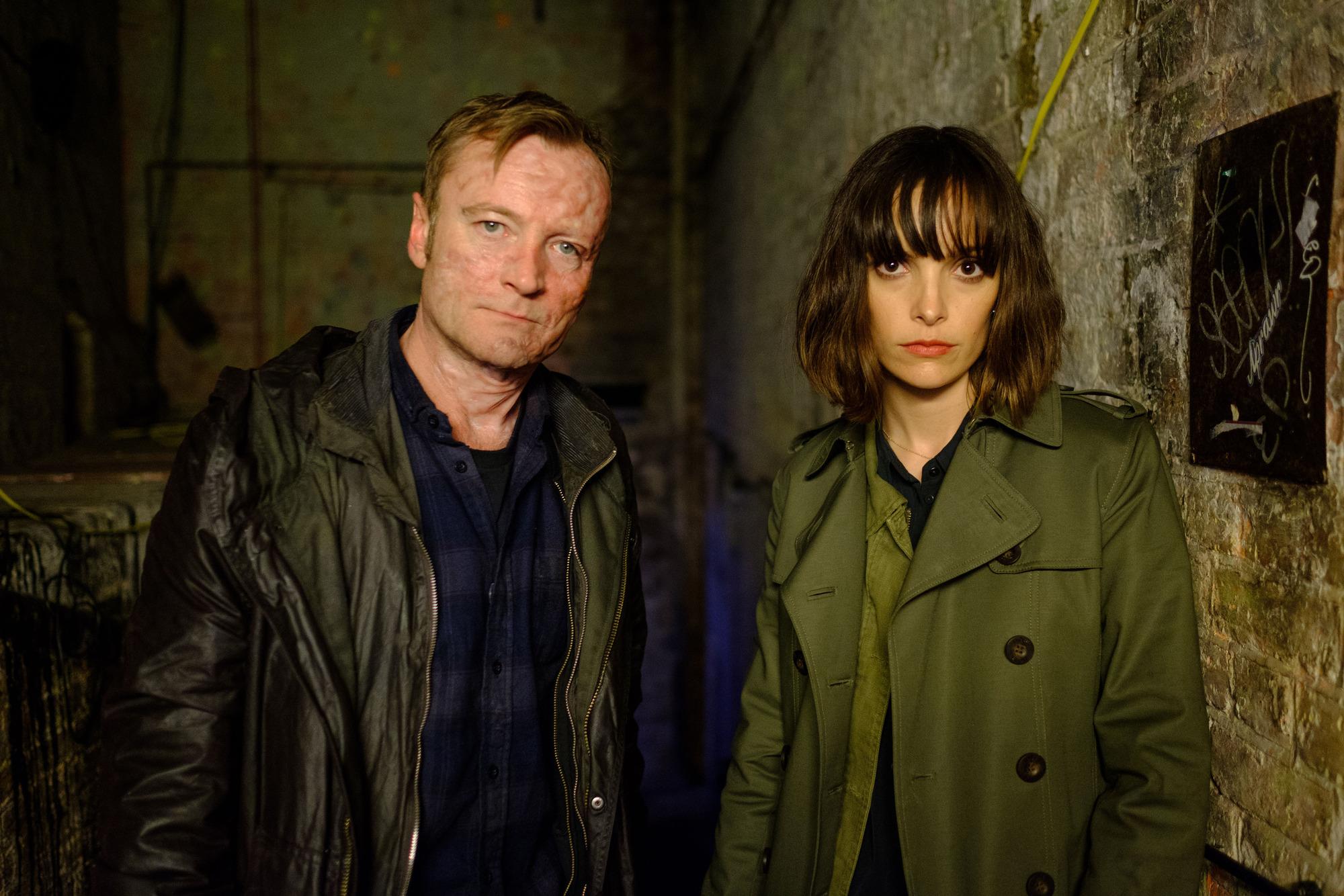 Elaine Shepard (JODI BALFOUR), Gabriel (RICHARD DORMER) in Rellik