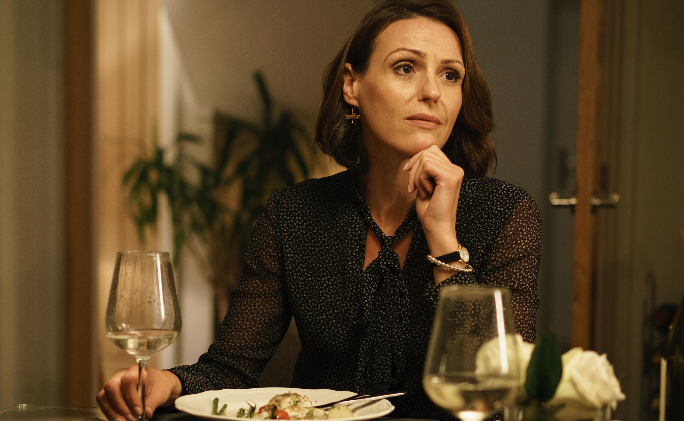 Doctor Foster s 2 ep 2 MAIN SHOT