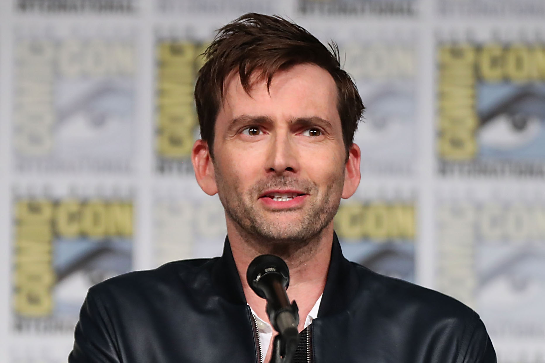 'Good Omens': David Tennant, Michael Sheen Suit Up For Amazon