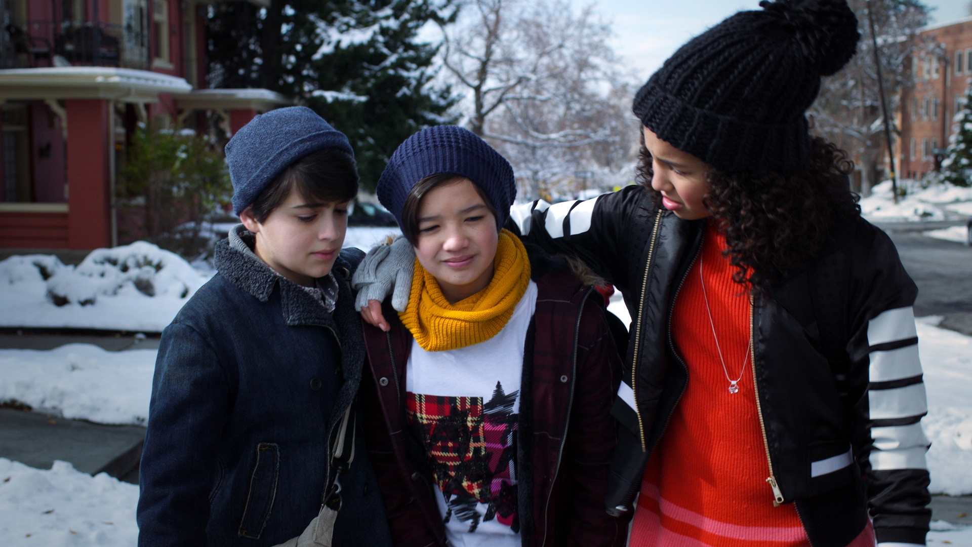 Joshua Rush (left) with Peyton Elizabeth Lee and Sofia Wylie in Andi Mack (Getty, EH)