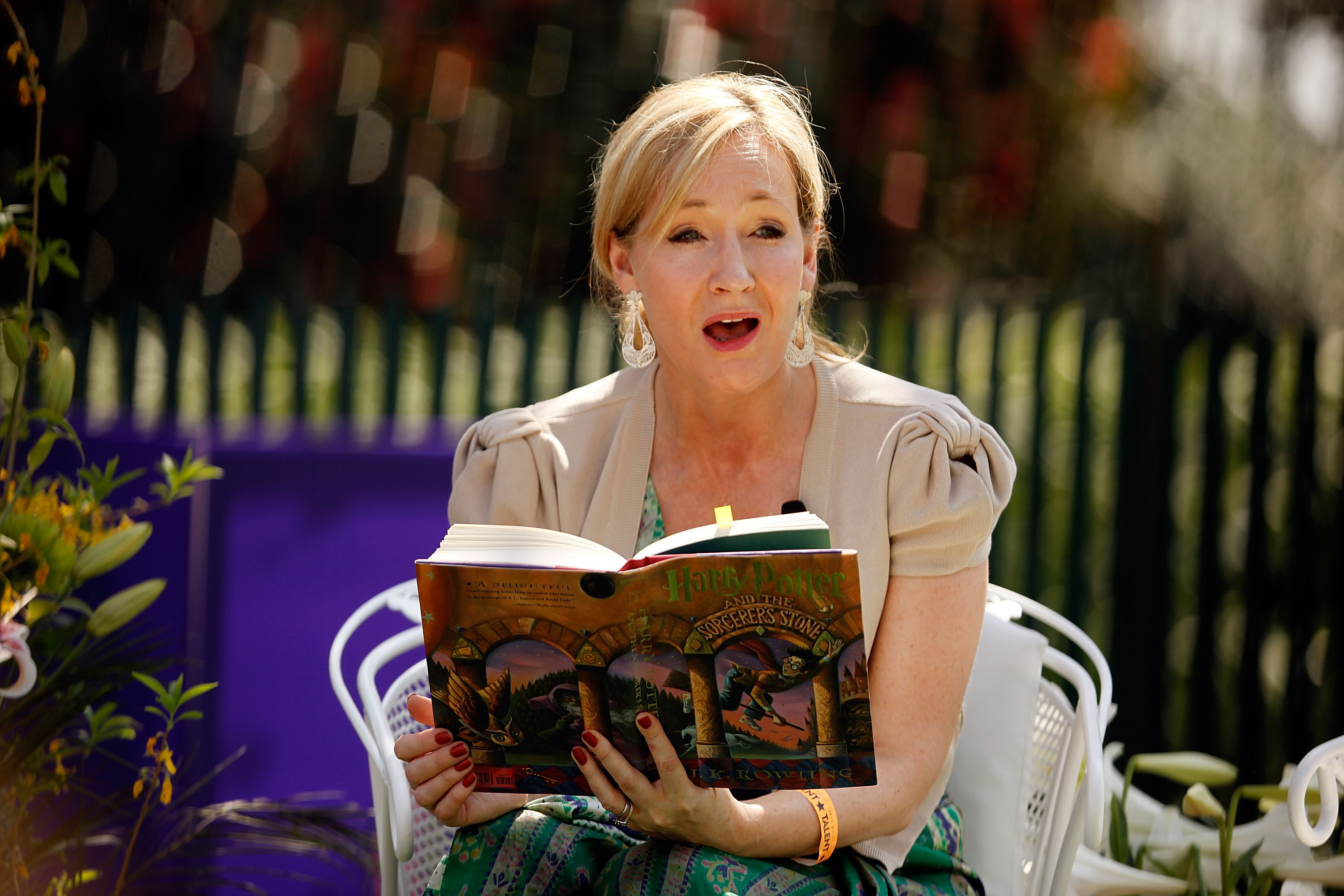JK Rowling reads Harry Potter and The Philosopher's Stone
