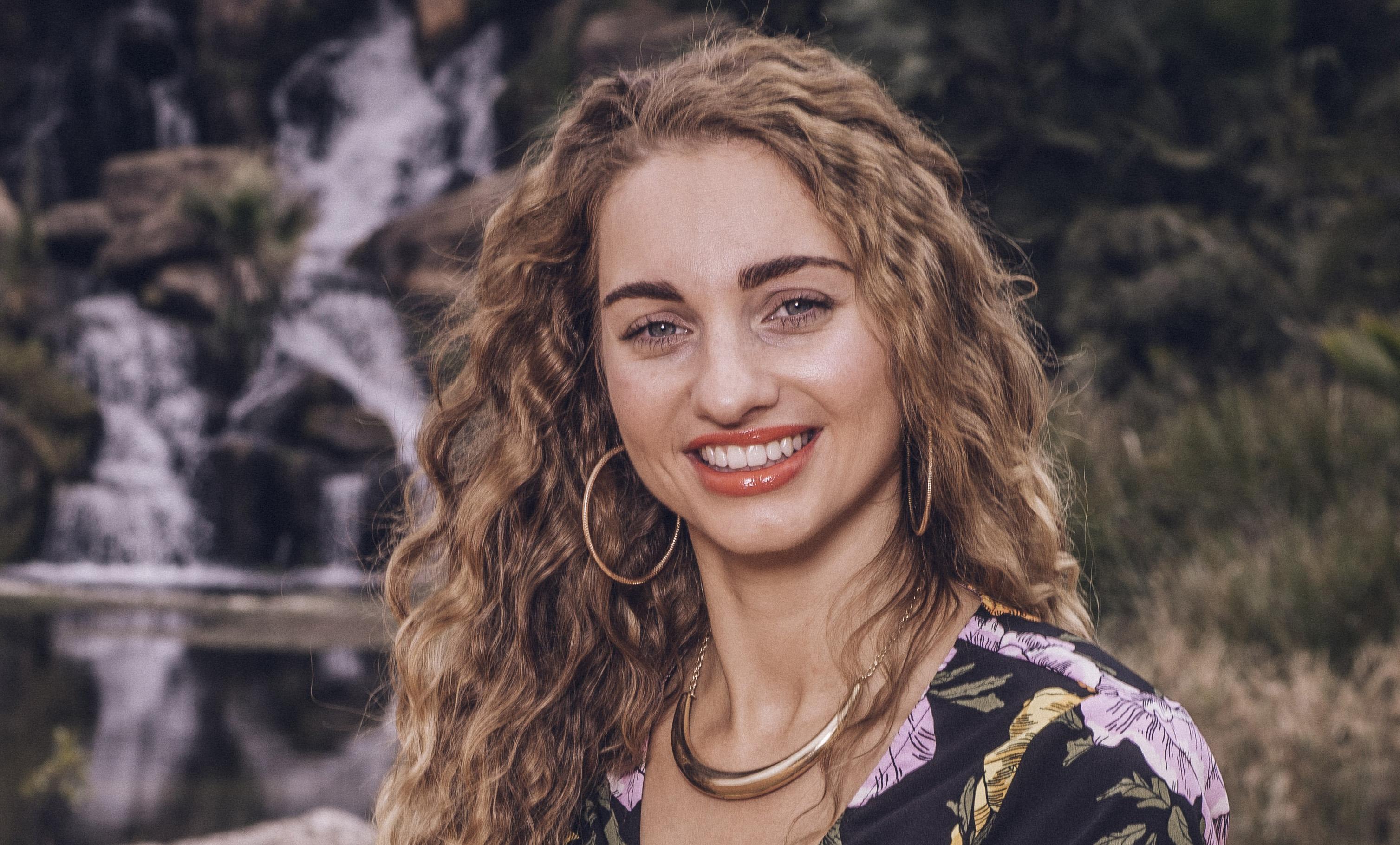 Talia Dean on The X Factor 2017