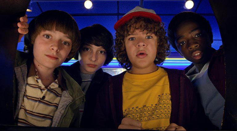 How watching Stranger Things could make you a happier person Stranger-things-watching-79d3c6a