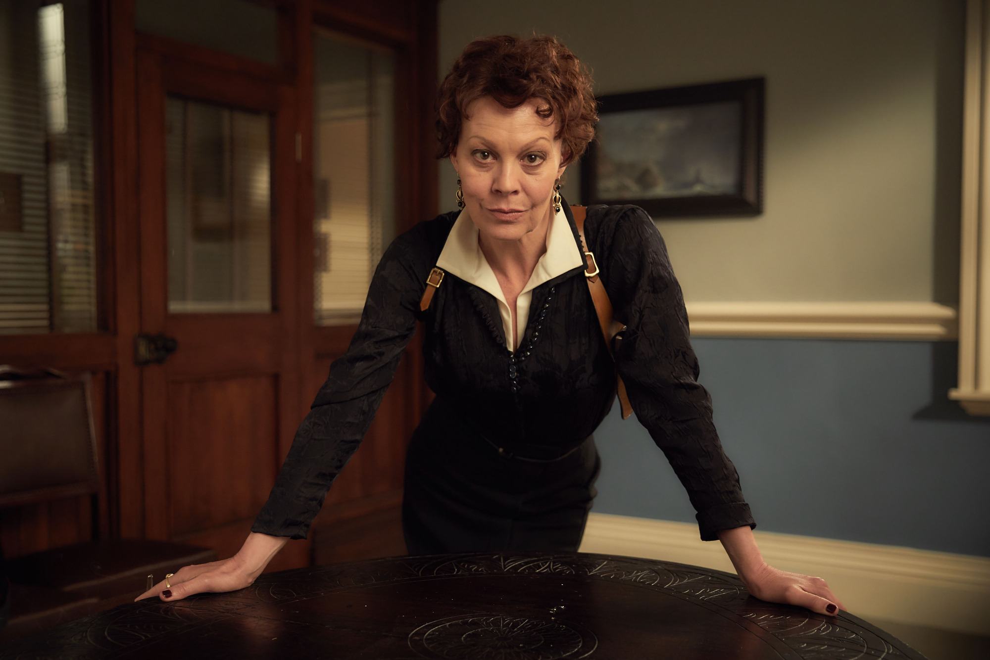 Aunt Polly Gray (Helen McCrory) in Peaky Blinders series 4 (Caryn Mandabach Productions Ltd 2017, JG)