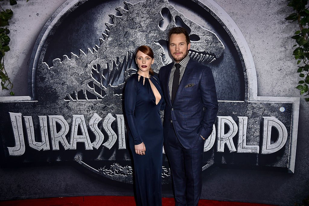 """HOLLYWOOD, CA - JUNE 09:  Actors Bryce Dallas Howard (L) and Chris Pratt attend the Universal Pictures' """"Jurassic World"""" premiere at the Dolby Theatre on June 9, 2015 in Hollywood, California.  (Photo by Kevin Winter/Getty Images, BA)"""