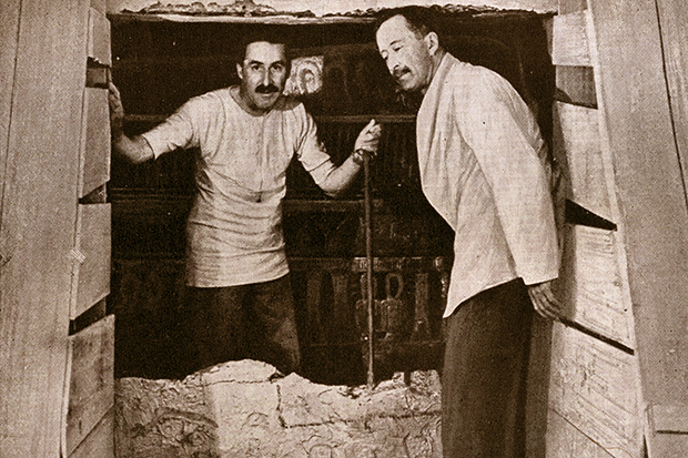 Howard Carter and Lord Carnarvon at the opening of King Tutankhamun's tomb (GraphicaArtis/Getty Images)