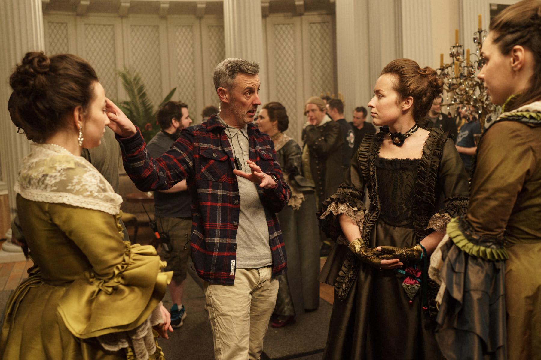 Outlander Season 3 - Behind the scenes on set