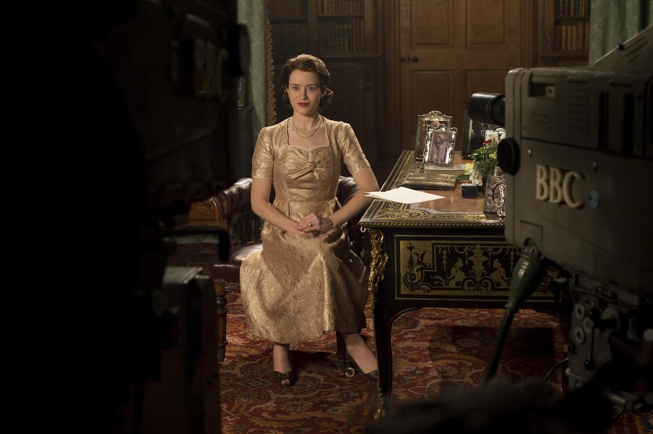 The Crown - Elizabeth - Elizabeth delivers her first televised Christmas address (Netflix, JG)