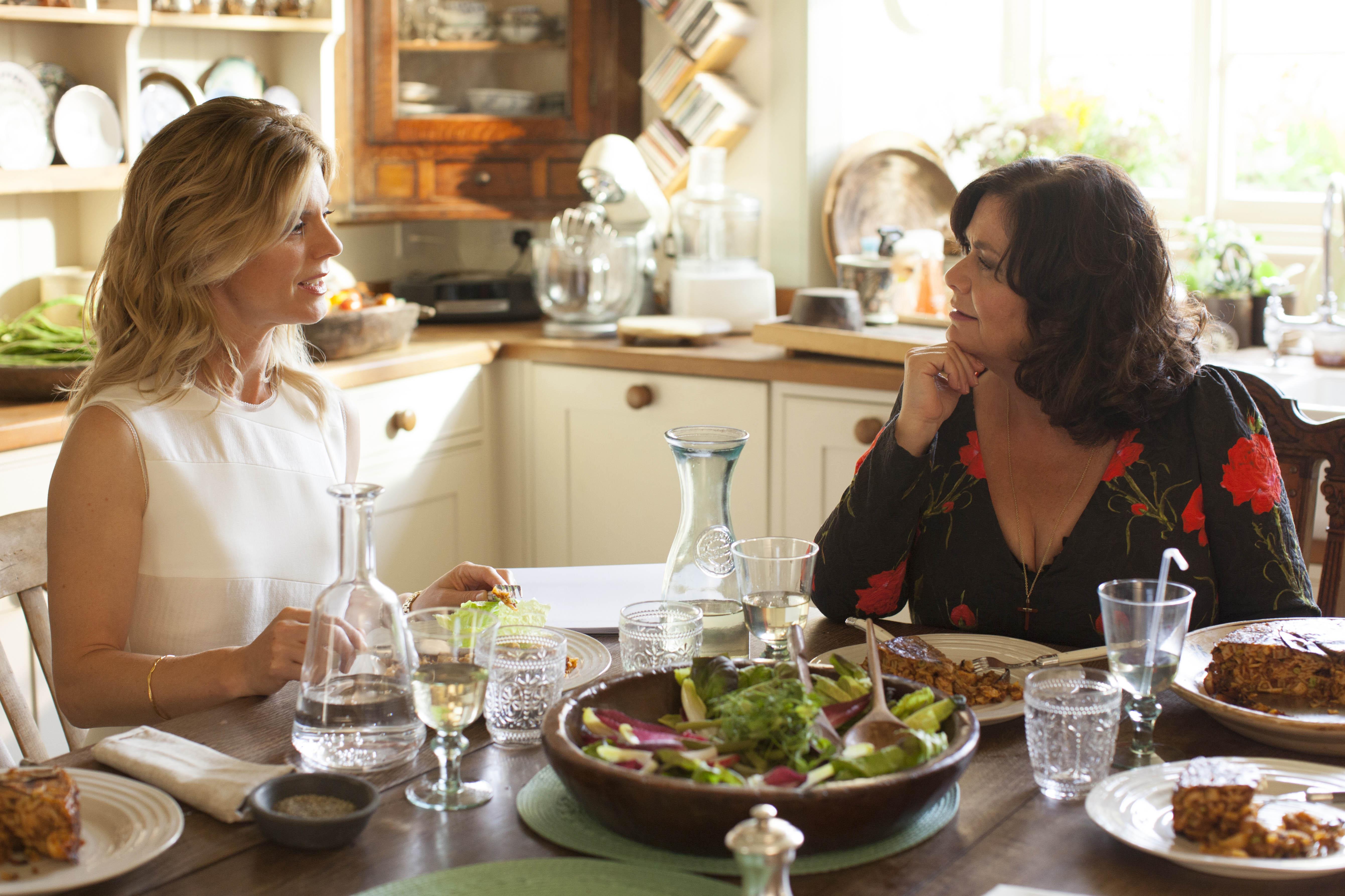 Delicious - Series 02  Episode 01  Emilia Fox as Sam and Dawn French as Gina. (Sky, BA)