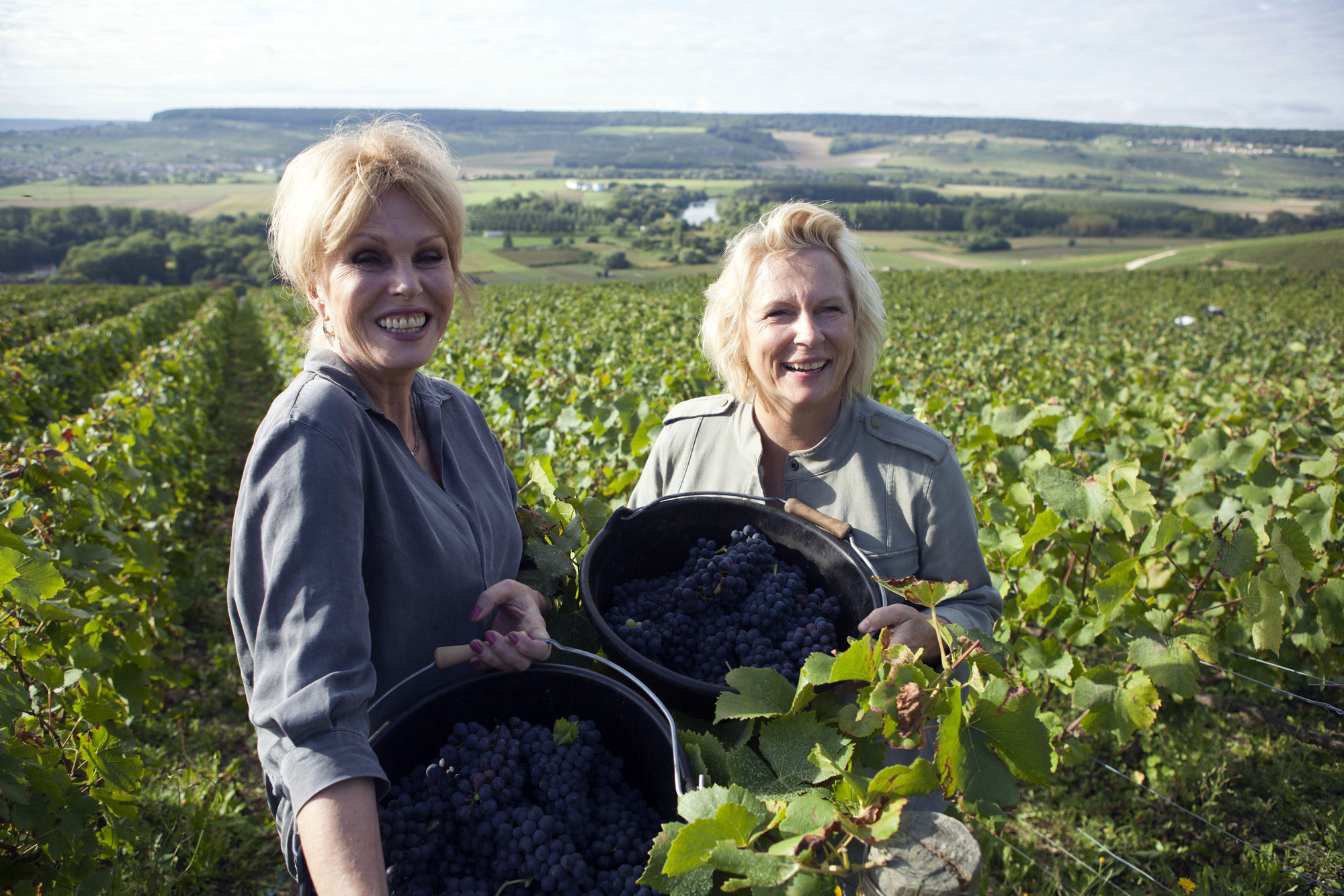 WARNING: Embargoed for publication until 00:00:01 on 28/11/2017 - Programme Name: Joanna and Jennifer: Absolutely Champers - Jennifer Saunders, Joanna Lumley (BBC, TL)