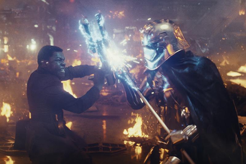 John Boyega and Gwendoline Christie in Star Wars: The Last Jedi (Lucasfilm, HF)