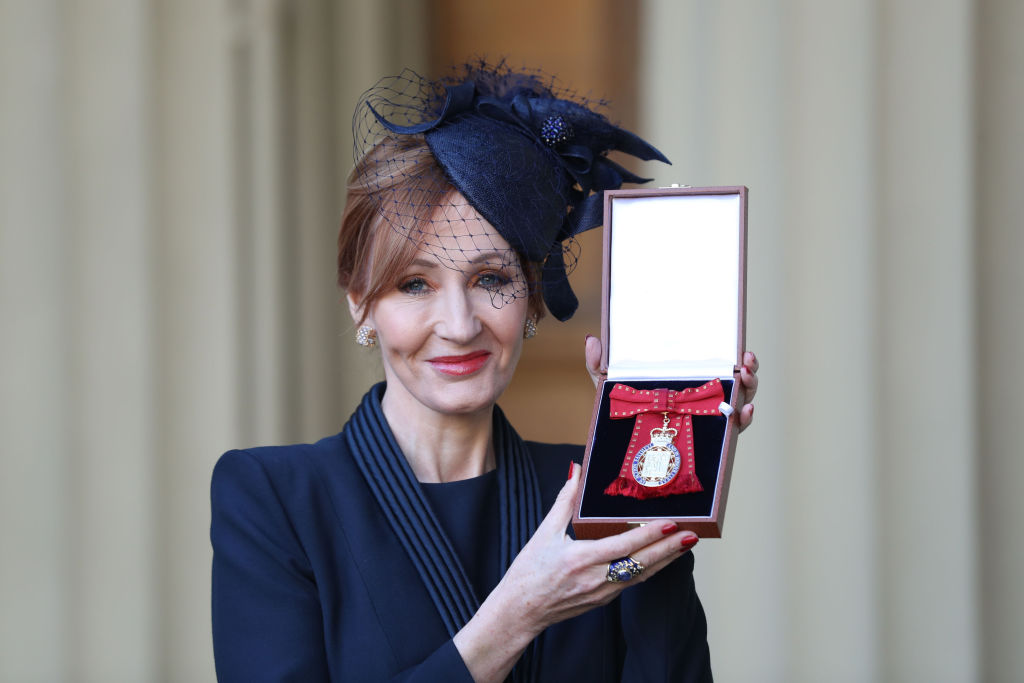 LONDON, ENGLAND - DECEMBER 12: Harry Potter author JK Rowling after she was made a Companion of Honour by the Duke of Cambridge during an Investiture ceremony at Buckingham Palace on December 12, 2017 in London, England. (Phopto by Andrew Matthews - WPA Pool/Getty Images, BA)