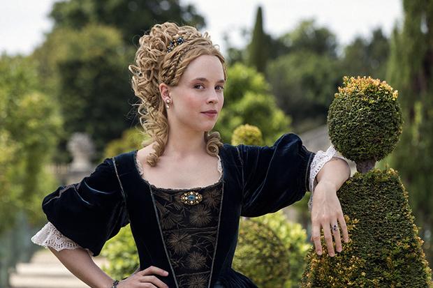 Jessica Clark plays Princess Palatine in Versailles
