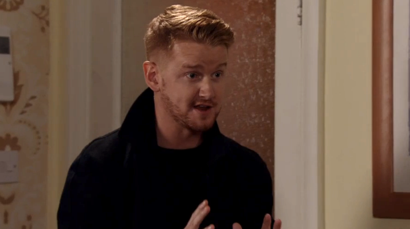 Coronation Street fans stunned as character returns from the dead