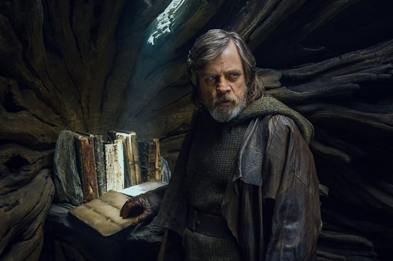 Mark Hamill in Star Wars: The Last Jedi (Lucasfilm, Disney, HF)