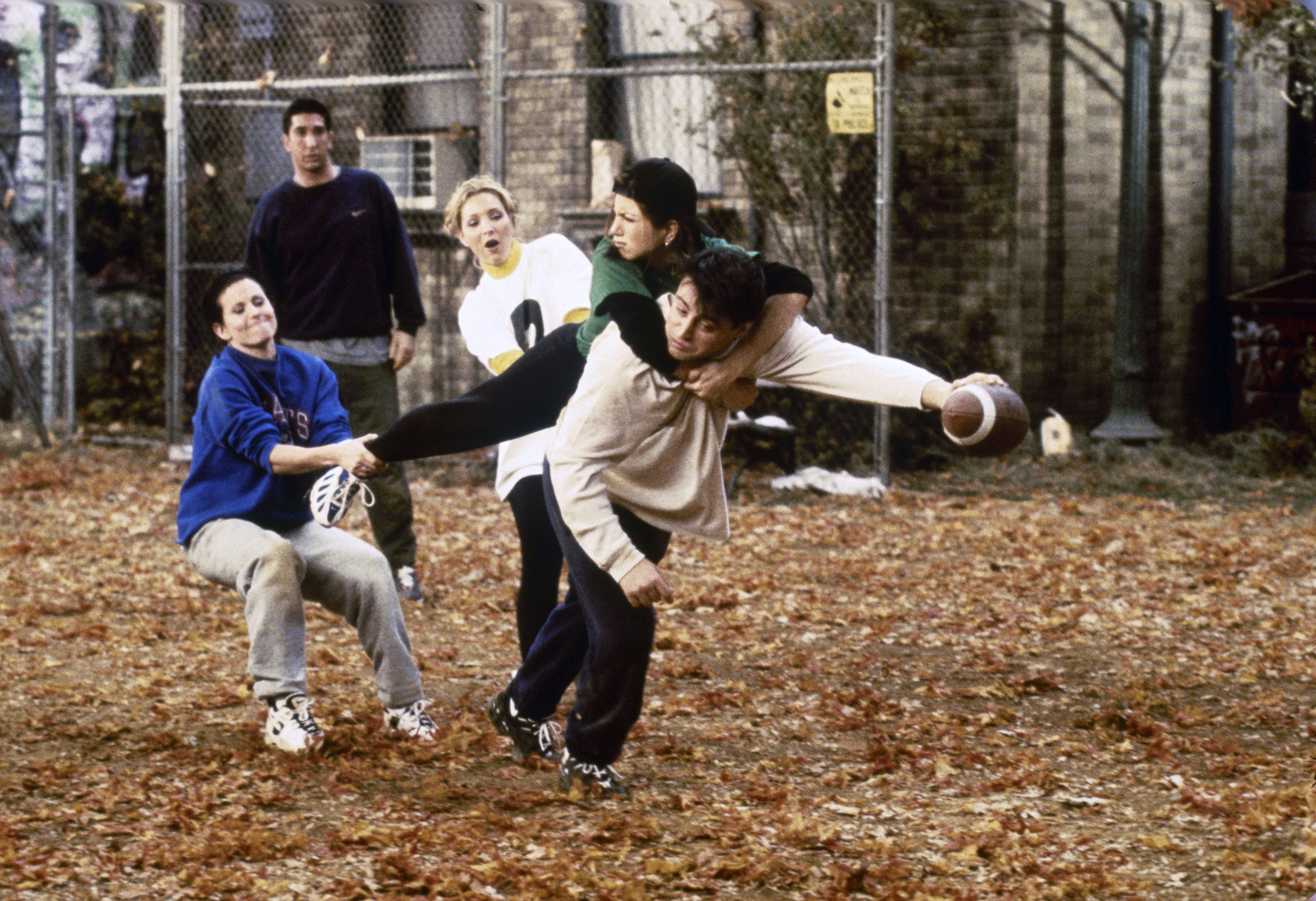 "FRIENDS -- ""The One with the Football"" Episode 6 -- Pictured: (l-r) Courteney Cox Arquette as Monica Geller, David Schwimmer as Ross Geller, Lisa Kudrow as Phoebe Buffay, Jennifer Aniston as Rachel Green, Matt LeBlanc as Joey Tribbiani -- Photo by: Gary Null/NBCU Photo Bank (BA)"