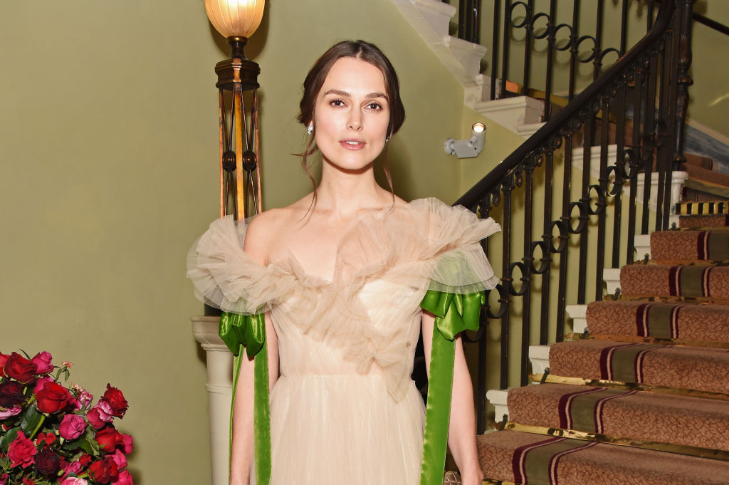 LONDON, ENGLAND - DECEMBER 03:  Keira Knightley attends the London Evening Standard Theatre Awards 2017 at the Theatre Royal, Drury Lane, on December 3, 2017 in London, England.  (Photo by David M. Benett/Dave Benett/Getty Images)
