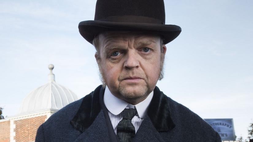 Toby Jones in The Secret Agent (BBC, JG)