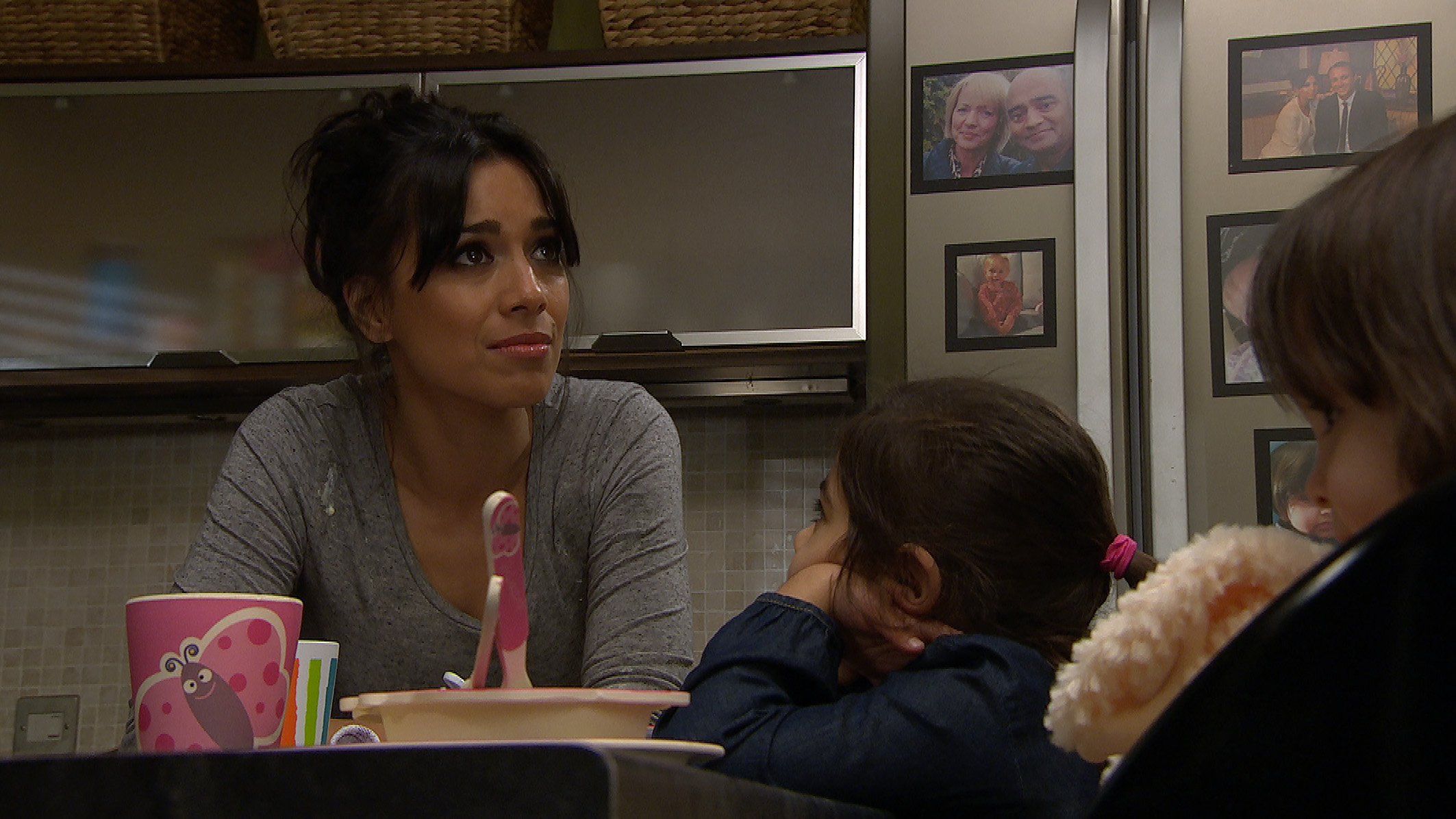 FROM ITV STRICT EMBARGO Print media - No Use Before Tuesday 20th February 2018Online Media -  No Use Before 0700hrs Tuesday 20th February 2018Emmerdale - Ep 8084Thursday 1st March 2018 - 2nd EpA stressed Priya Sharma [FIONA WADE] flips when looking after Eliza and Amba and throws a plate of food at the wall when the girls refuse to eat.  Picture contact - david.crook@itv.comThis photograph is (C) ITV Plc and can only be reproduced for editorial purposes directly in connection with the programme or event mentioned above, or ITV plc. Once made available by ITV plc Picture Desk, this photograph can be reproduced once only up until the transmission [TX] date and no reproduction fee will be charged. Any subsequent usage may incur a fee. This photograph must not be manipulated [excluding basic cropping] in a manner which alters the visual appearance of the person photographed deemed detrimental or inappropriate by ITV plc Picture Desk. This photograph must not be syndicated to any other company, publication or website, or permanently archived, without the express written permission of ITV Plc Picture Desk. Full Terms and conditions are available on the website www.itvpictures.com