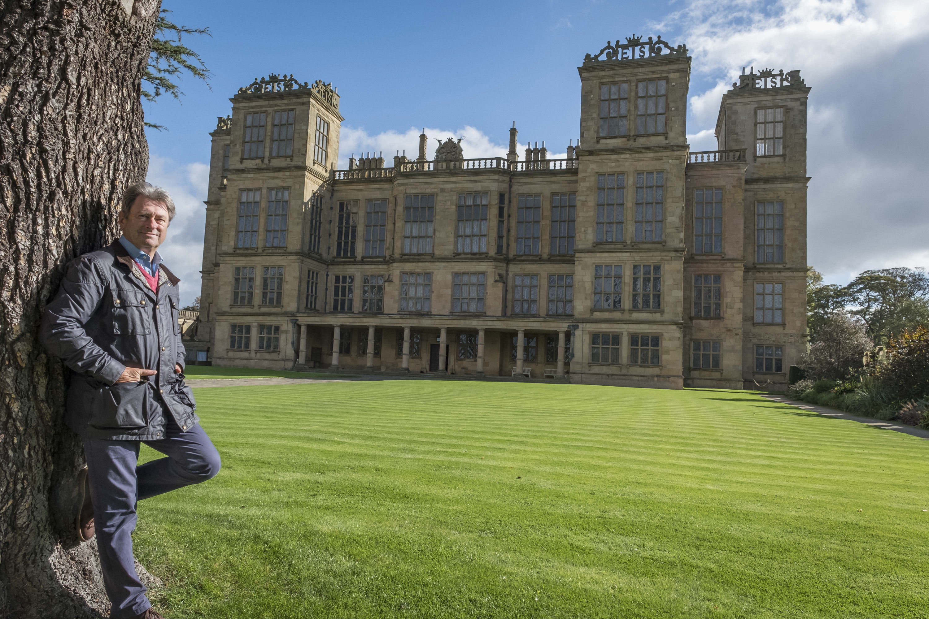 Alan Titchmarsh admires Hardwick Hall's outrageous glass frontage and six turrets