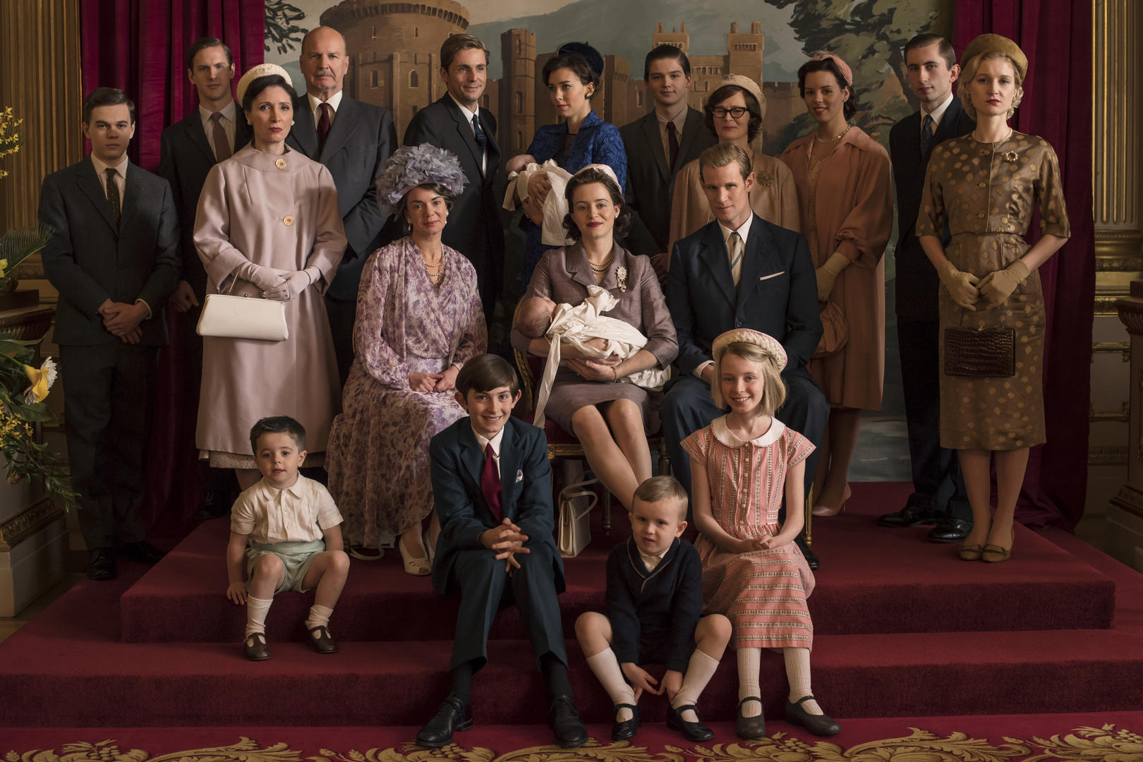 The Crown - Tony, Margaret, Queen Mum, Elizabeth, Philip, Charles, Anne - The Windsor family comes together for a group photo (Netflix, JG)