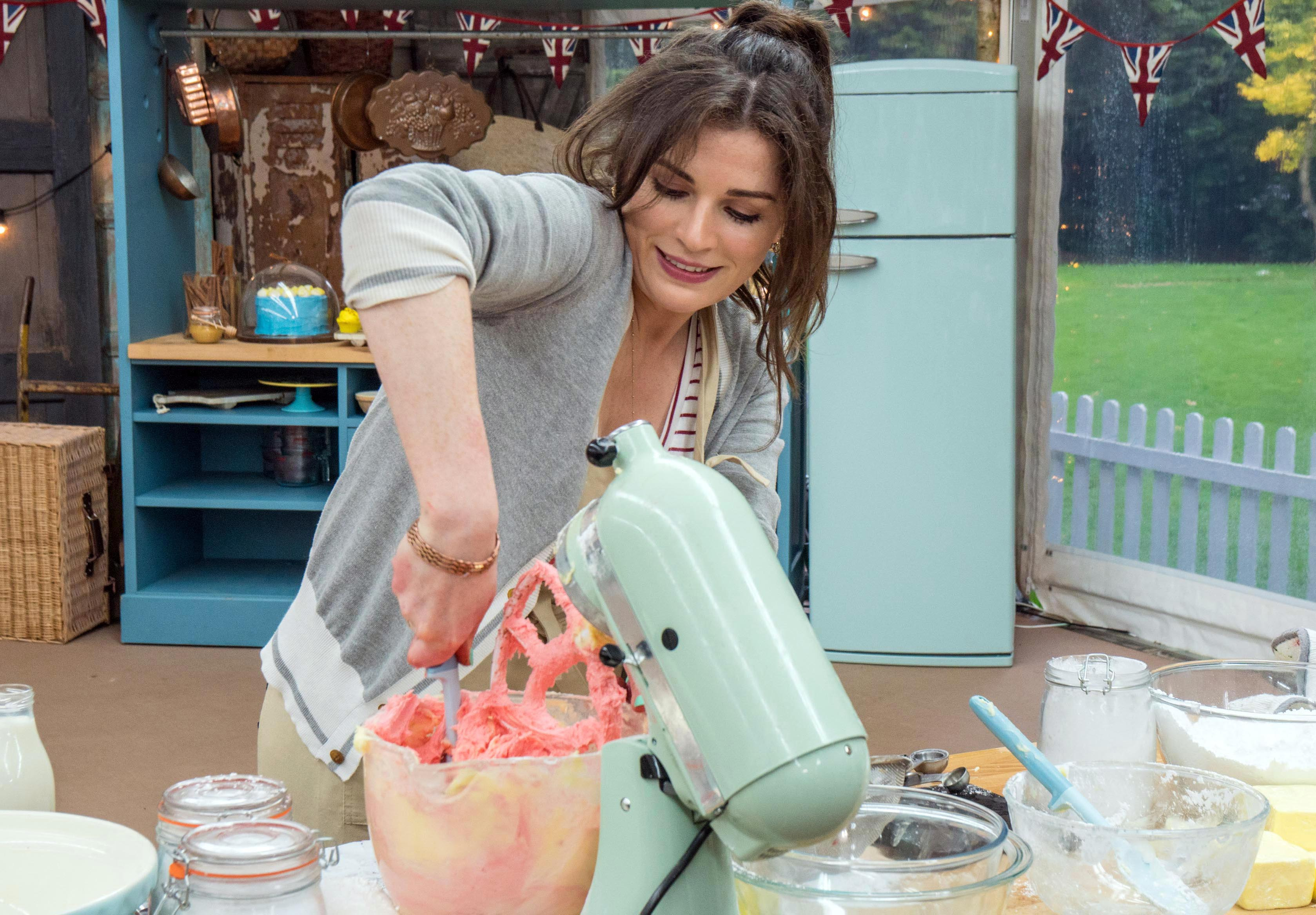 Aisling Bea - The Great Celebrity Bake Off