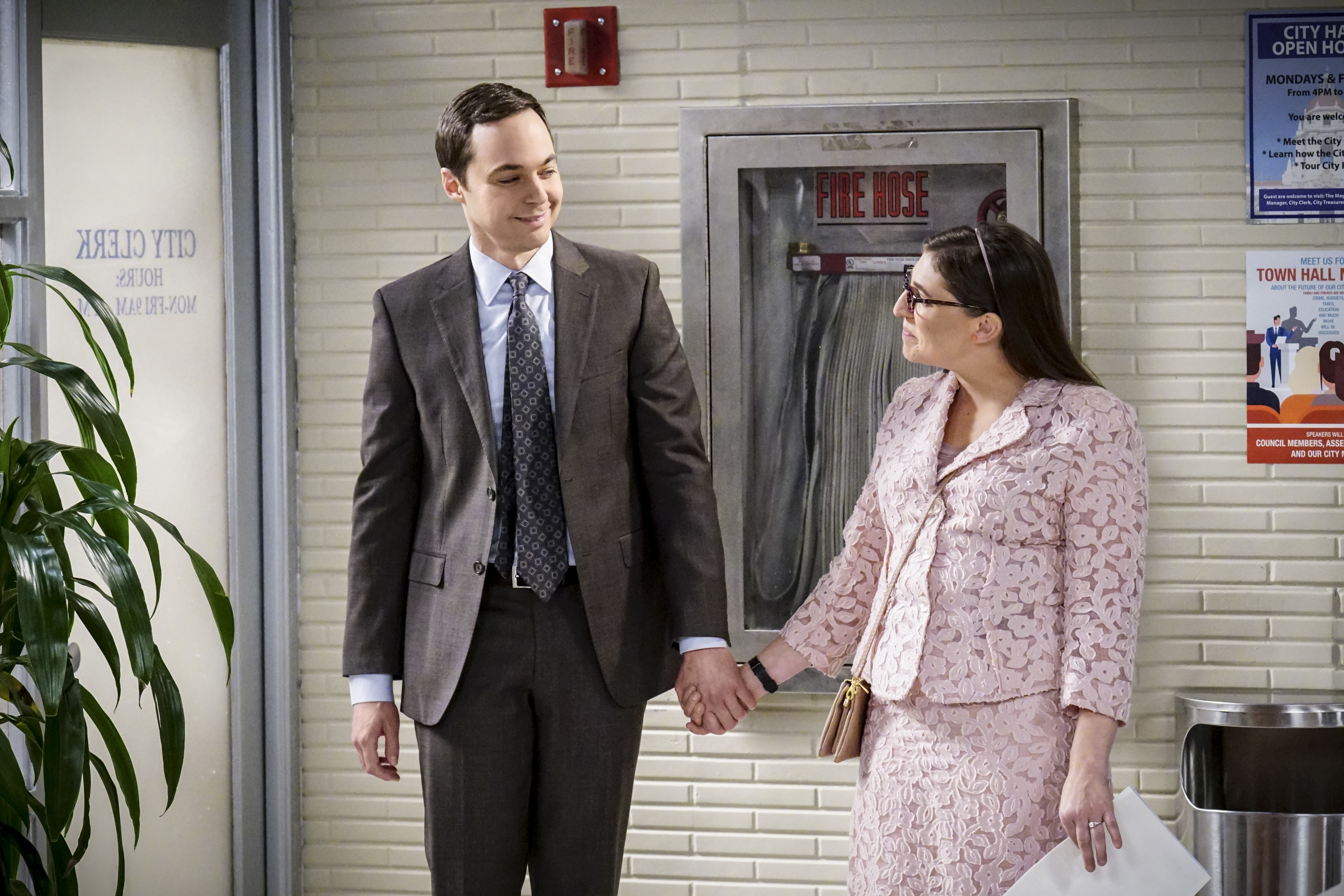 """LOS ANGELES - NOVEMBER 14: """"The Confidence Erosion"""" -- Pictured: Sheldon Cooper (Jim Parsons) and Amy Farrah Fowler (Mayim Bialik). Sheldon and Amy try to eliminate stress from wedding planning by applying math to the process. Also, Koothrappali """"breaks up"""" with Wolowitz after realizing his best friend is actually hurting his confidence, on THE BIG BANG THEORY, Thursday, Dec. 7 (8:00-8:31 PM, ET/PT) on the CBS Television Network. (Photo by Monty Brinton/CBS via Getty Images) Getty, TL"""