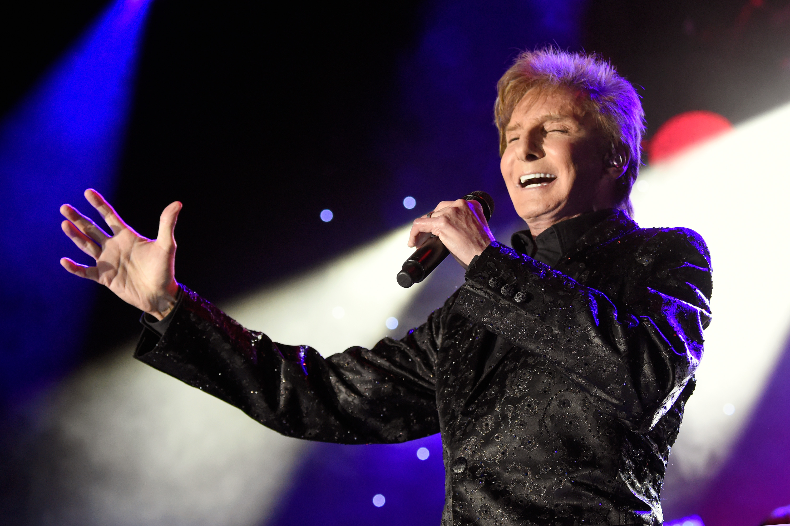 Barry Manilow Tour Dates  Uk