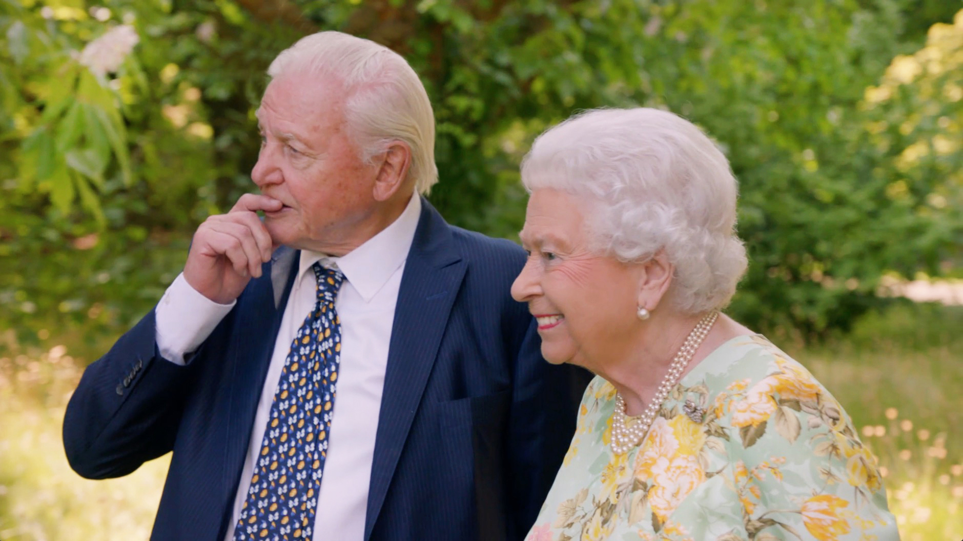 From ITN Productions THE QUEENS GREEN PLANET Monday 16th April 2018 on ITV Pictured: Sir David Attenborough joins Her Majesty the Queen in the gardens of Buckingham Palace This unique, landmark documentary follows Her Majesty the Queen and an ambitious legacy project to create a global network of protected forests, spanning the 52 countries of the Commonwealth. This project, called the QueenÕs Commonwealth Canopy, brings together Her MajestyÕs deeply held commitment to the Commonwealth and her little-known love of trees. At the heart of the film is a conversation between the Queen and Sir David Attenborough filmed in the gardens of Buckingham Palace last summer. In a rare opportunity to see the Queen talking informally to Sir David, the conversation ranges from climate change, to conkers and birthday gifts. The film follows members of the Royal Family involved so far in making the QueenÕs Commonwealth Canopy a reality, including Prince Harry planting trees in the Caribbean, and Prince William and his family in Canada's Great Bear Rainforest. (c) ITN Productions For further information please contact Peter Gray 0207 157 3046 peter.gray@itv.com This photograph is © ITV and can only be reproduced for editorial purposes directly in connection with the programme THE QUEENS GREEN PLANET or ITV. Once made available by the ITV Picture Desk, this photograph can be reproduced once only up until the Transmission date and no reproduction fee will be charged. Any subsequent usage may incur a fee. This photograph must not be syndicated to any other publication or website, or permanently archived, without the express written permission of ITV Picture Desk. Full Terms and conditions are available on the website www.itvpictures.com ITV, TL