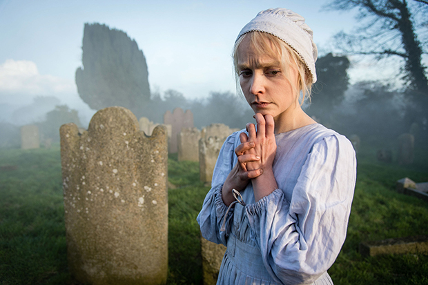 white - Woman in White BBC 2018 - Page 2 The-Woman-in-White-Olivia-Vinall-plays-Anne-de56495