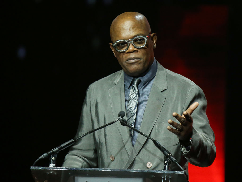 LAS VEGAS, NV - APRIL 26:  BSamuel L. Jackson accepts the Cinema Icon award onstage during the CinemaCon presents The 2018 Big Screen Achievement Awards held at The Colosseum at Caesars Palace on April 26, 2018 in Las Vegas, Nevada.  (Photo by Michael Tran/FilmMagic)