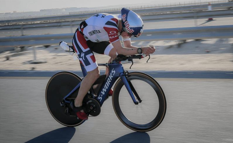 Kristian Blummenfelt on his bike at theWorld Championship in Bahrain in 2019