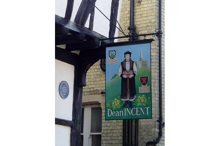 Incent's House as it stands today on the Berkhamsted High Street. (Creative Commons)